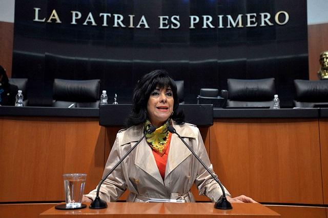 Nombran a Lucero Saldaña para sustituir a Joel Ayala en Constituyente