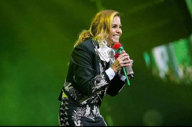 Lucero hará entrevista al estilo Juan Gabriel para nuevas generaciones