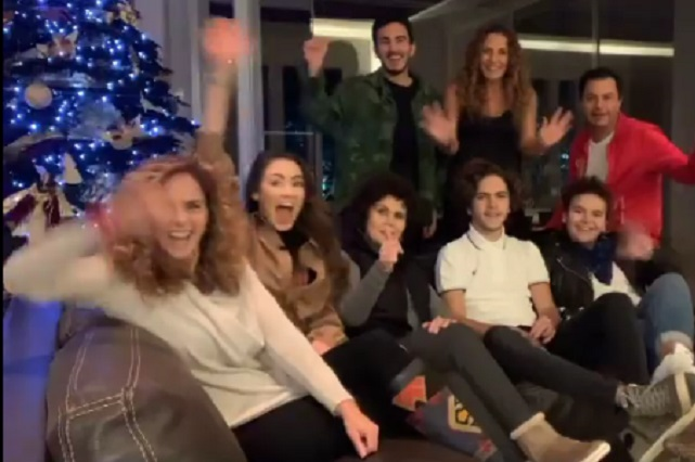 Lucero comparte imagen con su familia celebrando Navidad