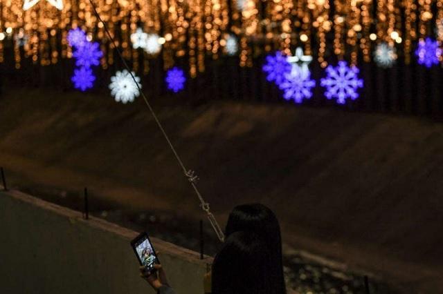 ¿Las luces navideñas interfieren la señal del Wifi?