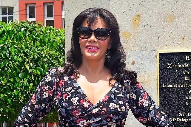 Lucía Méndez se anota para ir a los XV años de Rubí