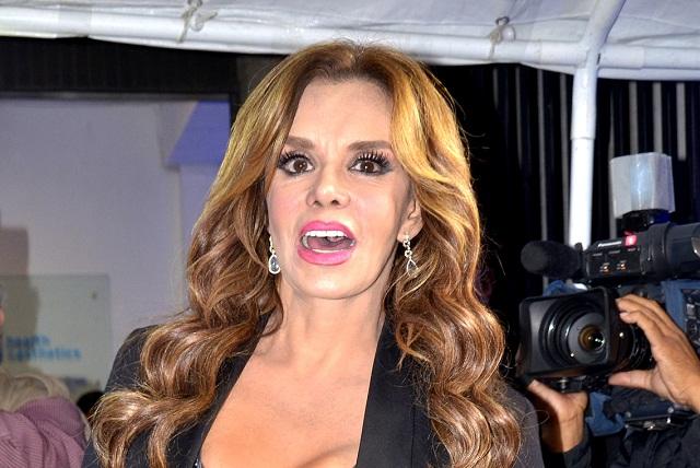 Lucía Méndez califica como sangrona actitud de La Banda MS