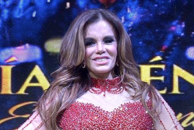 ¿Lucía Méndez se hizo liposucción y delineó su cuerpo? | e ...