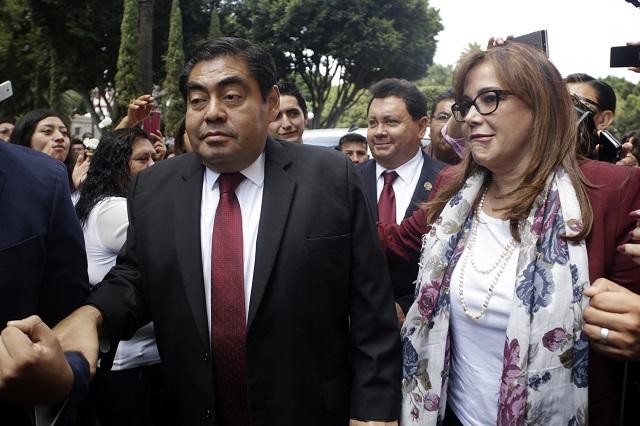 Presenta Barbosa impugnación para anular elección de Puebla