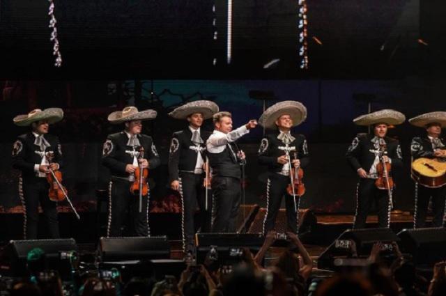 Escuchar a Luis Miguel es patriótico, señalan mexicanos en redes