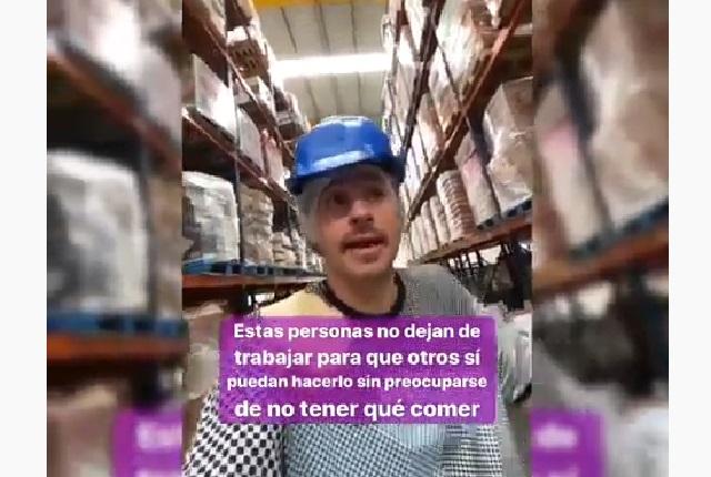 Luisito Comunica muestra cómo funciona Banco de Alimentos Cáritas Puebla