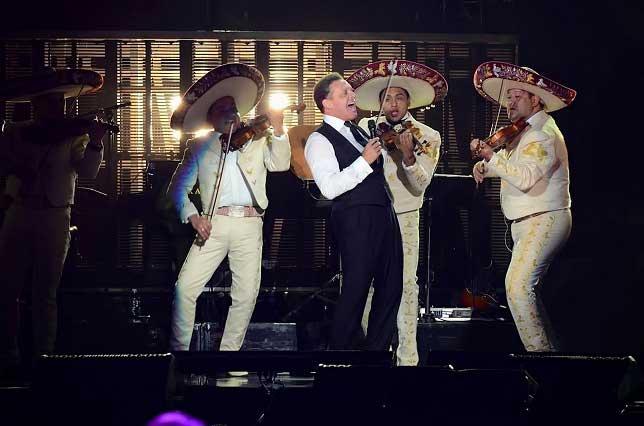 Luis Miguel da adelanto de su nuevo sencillo La Fiesta del Mariachi