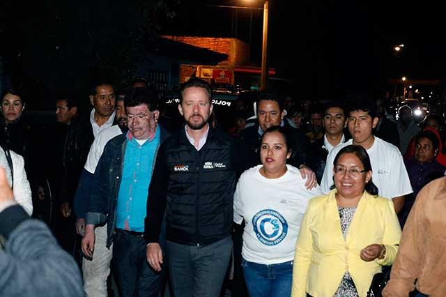 Colocan nuevas luminarias en San Francisco Totimehuacan