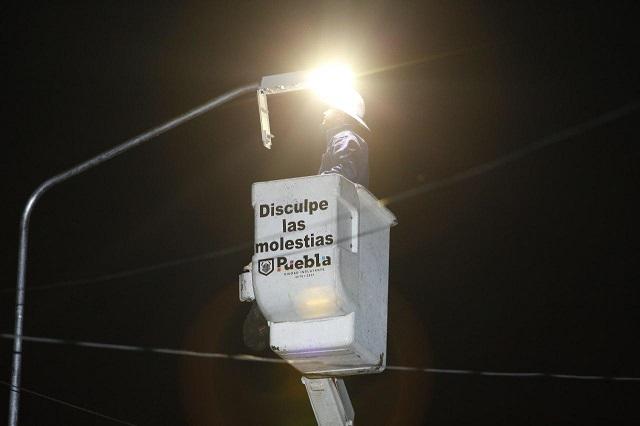 Renovó gobierno capitalino 10 mil luminarias en barrios y colonias