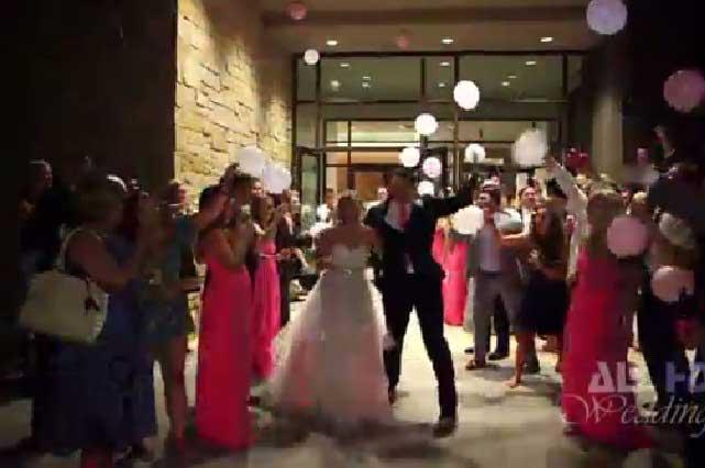 YouTube: recién casados tuvieron la peor despedida por culpa de auto descapotable