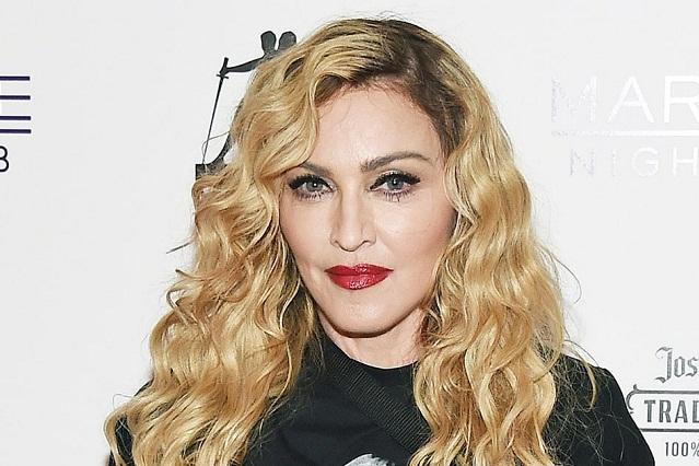 Madonna comparte primera foto junto a las gemelas que adoptó en Malaui