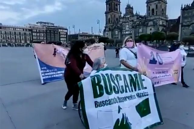 Madres de desaparecidos marchan en CDMX