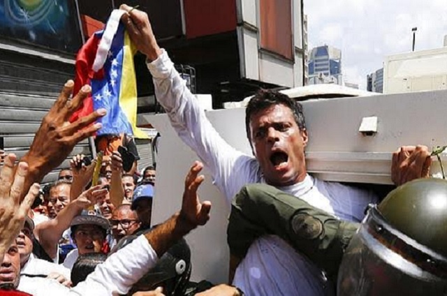 Venezuela libera al líder opositor Leopoldo López