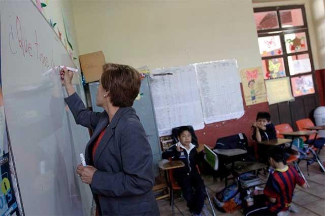 Piden 20 maestros cambio de adscripción ante inseguridad