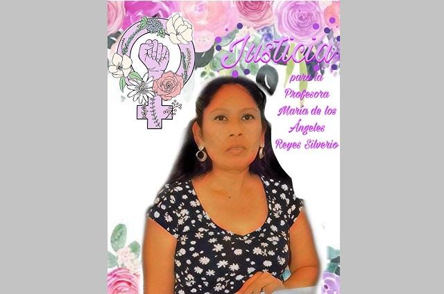 Familiares de maestra asesinada en Acatlán exigen justicia