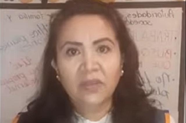 Maestra estalla contra la SEP y llama burros a alumnos que pasaron con 6