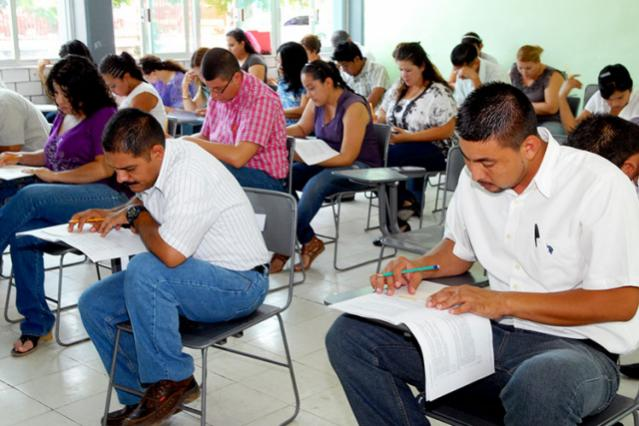 Demandará Morena suspender evaluaciones a maestros en Puebla