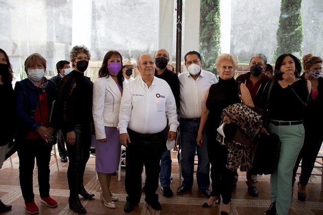 Reaparece Aréchiga con asociación; buscan la dirigencia del SNTE