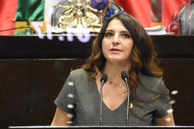 México vive su peor crisis sanitaria en un siglo, dice Maiella Gómez