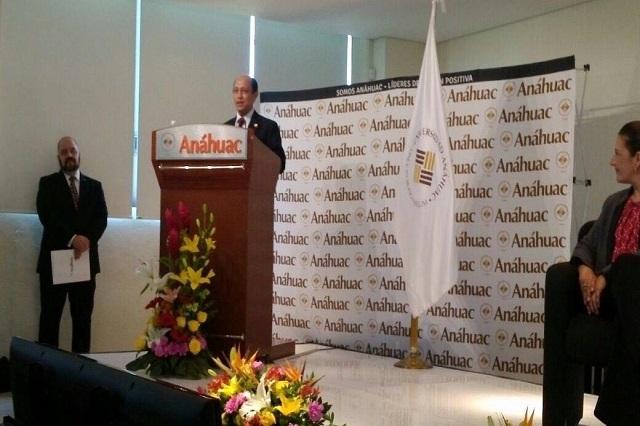 Embajador de Malasia da primera cátedra en Universidad Anáhuac