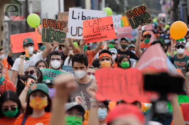 """""""Alumnos a aulas y espurios a sus casas"""", exigen para liberar UDLAP"""