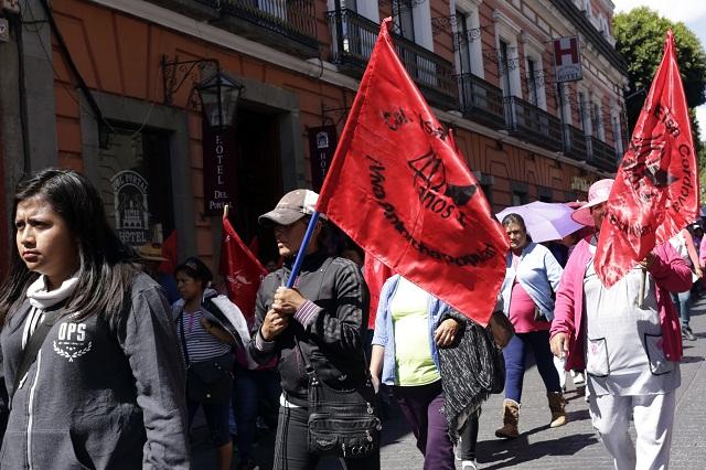 Manifestación antorchista exige más unidades en Línea 1 del Metrobús