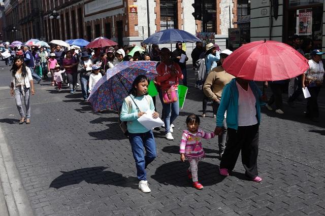 Paralizan antorchistas actividad en el centro de Puebla