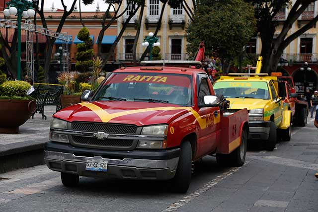 Pagarían usuarios hasta 500 pesos por servicio de grúas: encuesta