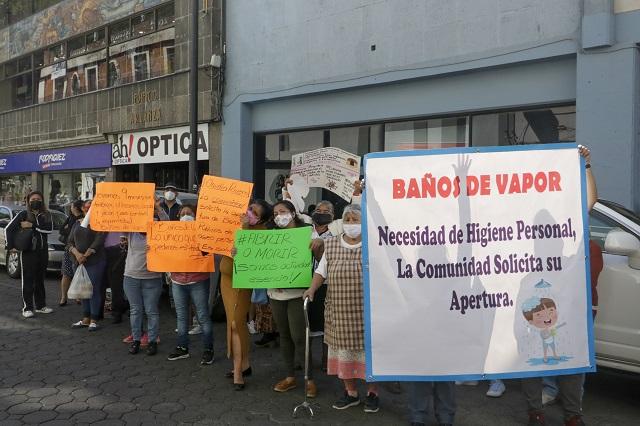 Bañeros piden al ayuntamiento de Puebla apertura de locales