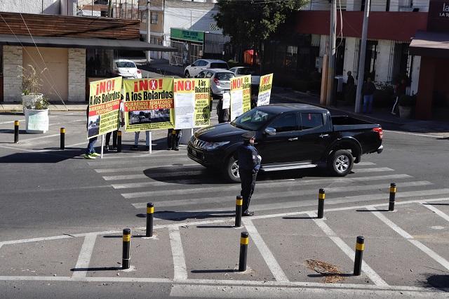 Seguirán colocando bolardos en Puebla capital, anuncia Movilidad