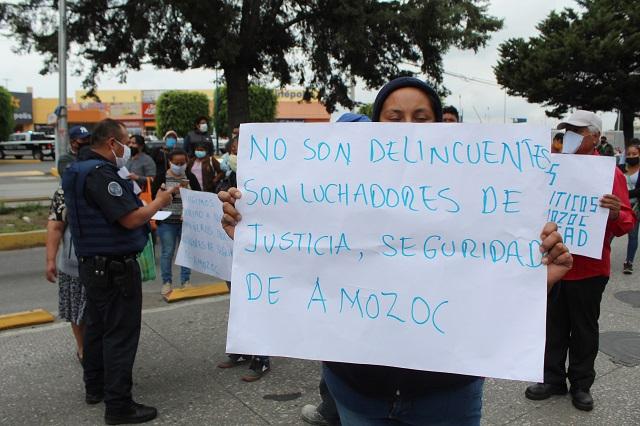 Detenidos en Amozoc son presos políticos, acusan