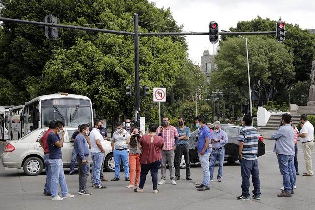 Con bloqueo en el Bulevar 5 de Mayo protestan choferes de DiDi