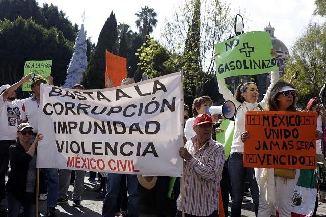 Puebla e Izúcar registran octava jornada contra el gasolinazo