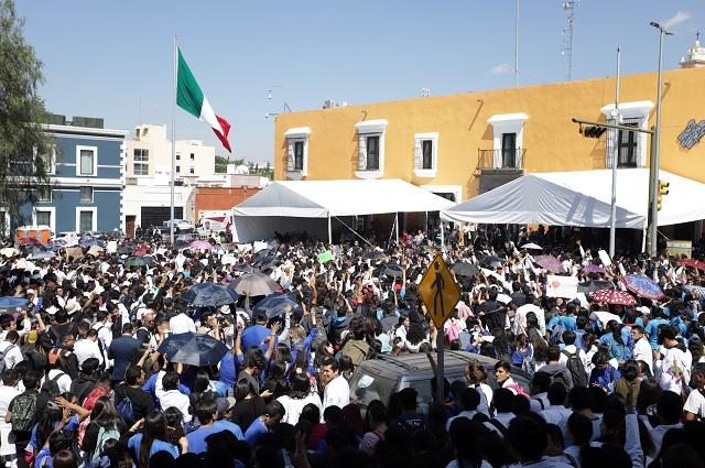 Recibe Segob a universitarios de la BUAP en Casa Aguayo