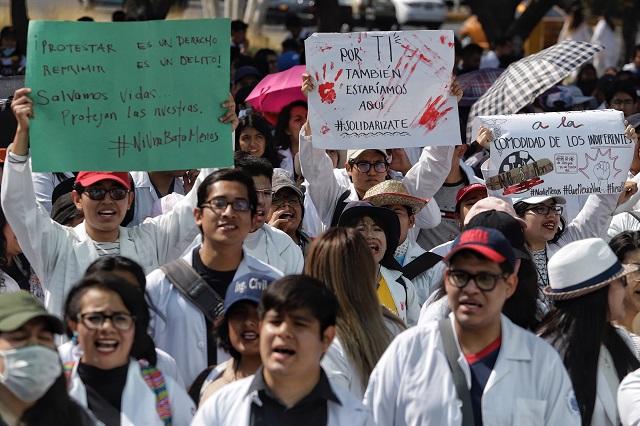 Respaldan empresarios mega marcha estudiantil en Puebla