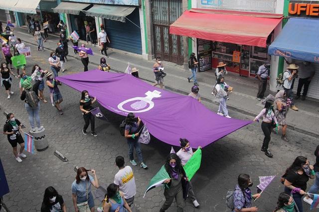 Las Vulvásticas y las Hijas del Maíz, entre otras, marchan por el 8M