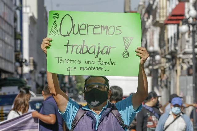 Ahora fotógrafos de fiestas piden apoyo por desempleo en Puebla