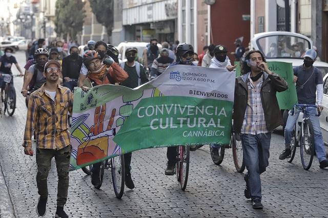 Legalizar la marihuana no frena al narcomenudeo, dice Barbosa