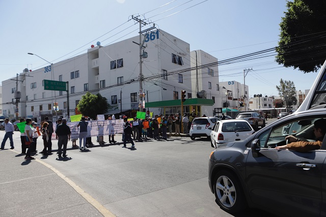 En La Margarita están hartos de ambulantes y del caos en el IMSS