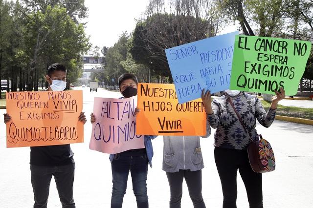 Faltan 3 medicamentos para niños con cáncer en Puebla