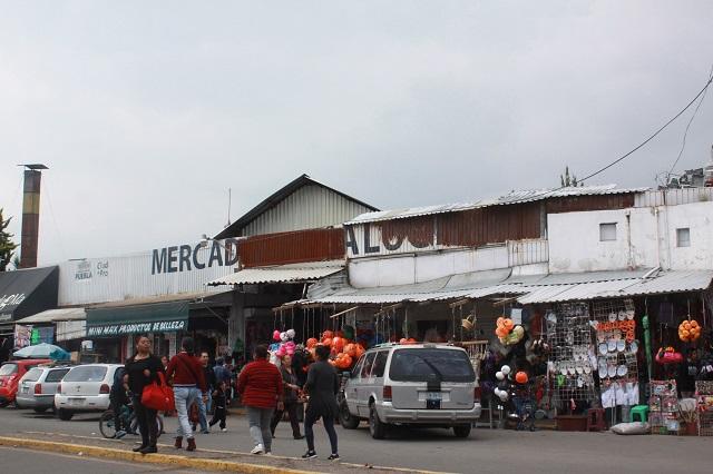 Piden a CFE y Comuna nuevo acuerdo en Mercado de Amalucan