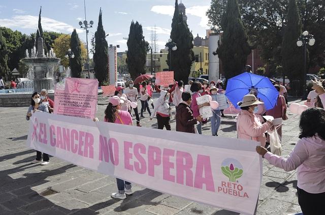 Protestas por falta de fármacos contra el cáncer siguen en Puebla