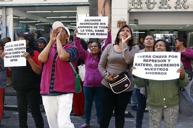 Y ahora protestan las naranjitas contra su sindicato en Puebla
