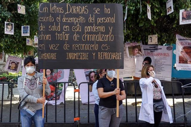 Pese a protesta, insiste Barbosa en indagar negligencias en IMSS