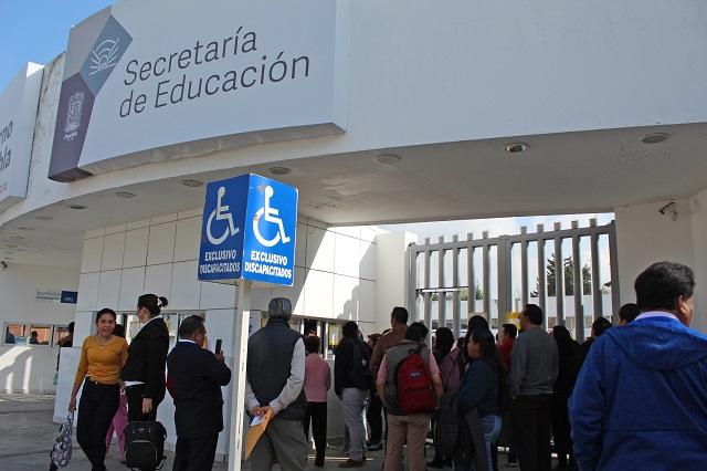 Docentes irán con SEP Puebla a CDMX para arreglar pagos