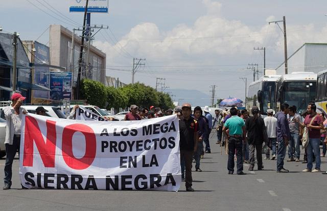 Llaman  a boicotear Wallmart, socio de hidroeléctrica en Puebla
