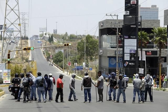 Bloquean Las Torres por falta de pago de constructora