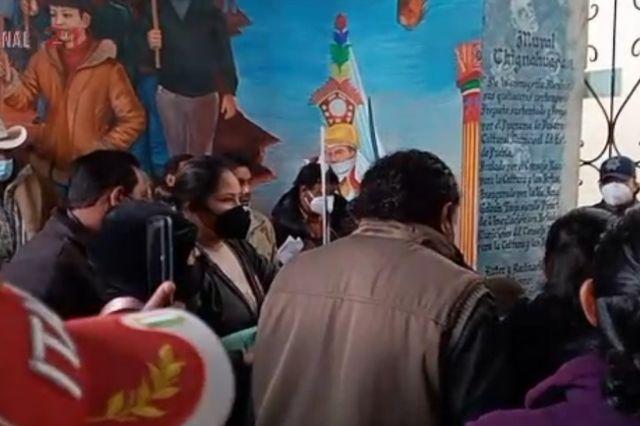 Exigen entrega de apoyos de Bienestar en Chignahuapan