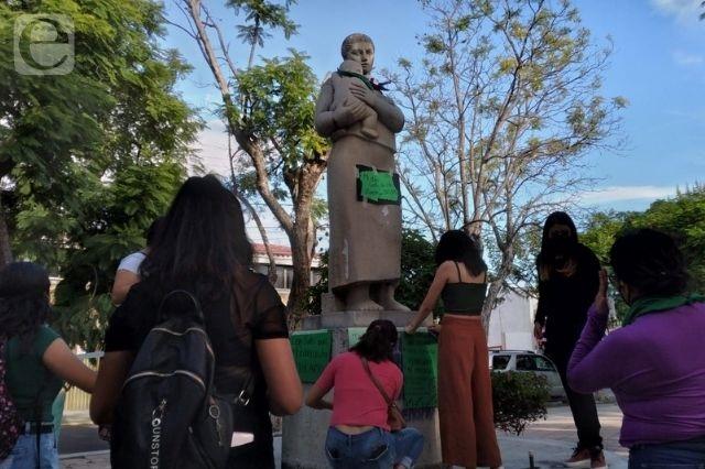 Se manifiestan en Tehuacán; piden legalizar el aborto