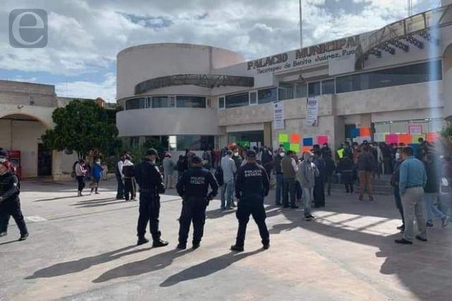 En Tlacotepec toman alcaldía por falta de obras
